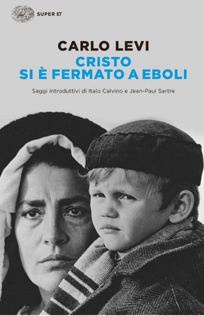 Cristo si è fermato a Eboli: analisi. Copertina del romanzo con donna e bambino in abiti tipici
