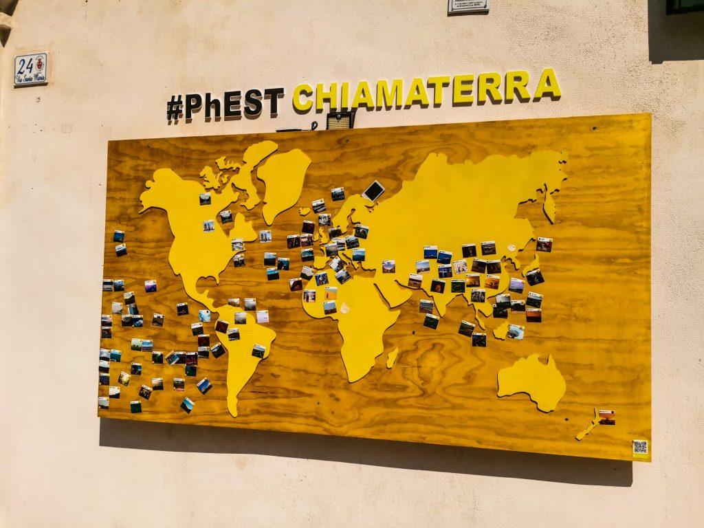 PhEst 2020: planisfero con istantanee dei luoghi rappresentati nel festival