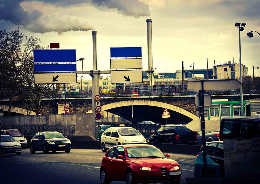 Soundscapes, traffico, automobili, fabbriche, treni, metropoli caotica