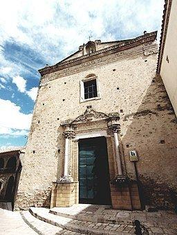Chiesa di San Francesco: facciata con portale